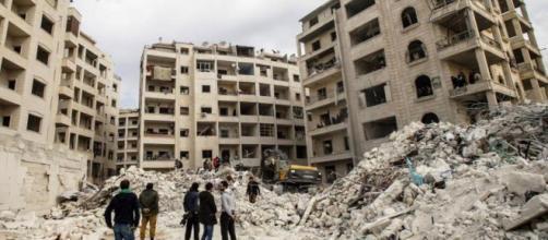 Siria y Rusia reanudan los bombardeos contra los bastiones