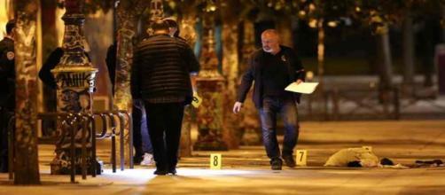 Un homme armé d'un couteau blesse sept personnes à Paris dimanche 9 septembre vers 22h45.