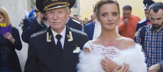 'Non voleva avere rapporti con me': attore 87enne russo divorzia dalla quarta moglie 27enne