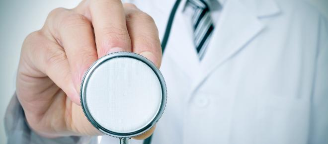 Congreso de España aprueba decreto que reconoce asistencia médica a inmigrantes