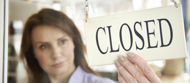 Commercio, la proposta M5S: negozi chiusi a turno la domenica