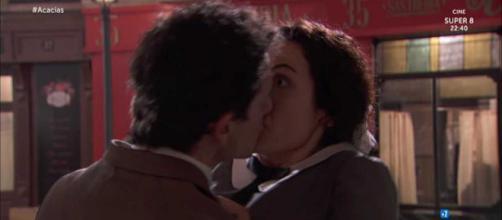Anticipazioni, Una Vita: Antonito bacia Lolita, Donna Susana complice di Arturo Valverde