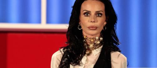 Nina Moric condannata a pagare Belen