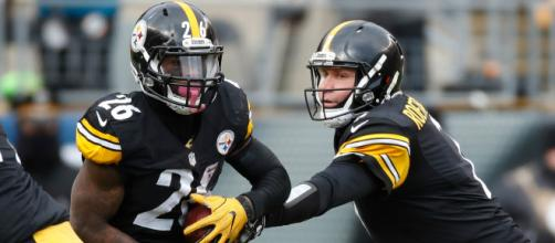 When will Bell return to the Steelers lineup? [Image Source: Sports News - YouTube]
