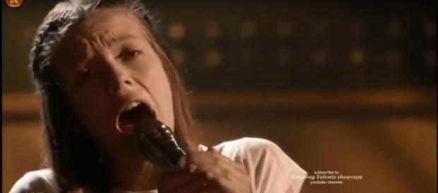 Courtney Hadwin lets everything rip and roar in the 'AGT' live semifinals. [Image source: Breaking Talent Showcase - YouTube]