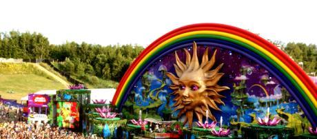 Dos personas murieron por ingesta de agua en el festival Tomorrowland
