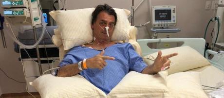 Jair Bolsonaro foi alvo de atentado com faca.