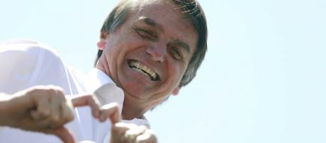 Jair Bolsonaro recebe alta da UTI.