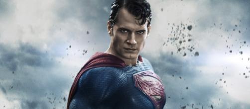 Henry Cavill NÃO Estará nos Próximos Filmes da DC.