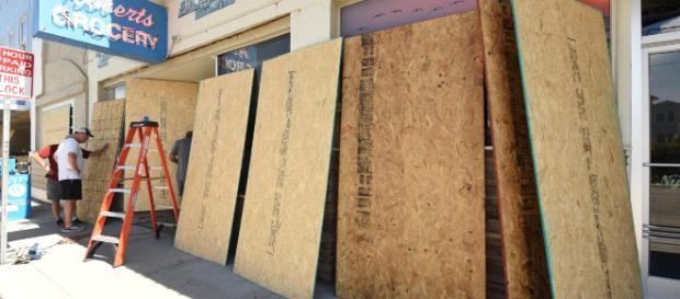 EEUU se prepara para la llegada del huracán Florence y ordenaron evacuaciones en Carolina del Sur y Carolina del Norte. - com.ar