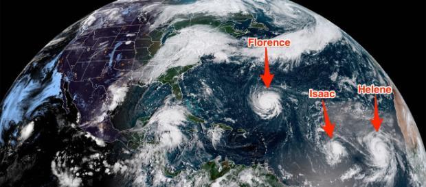 Glu uragani in formazione nell'Atlantico visti dallo spazio