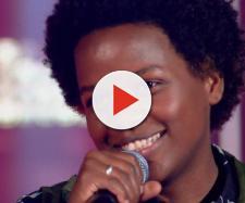 """Priscila Tossan canta música """"O Sapo""""."""