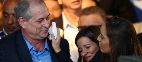 Namorada de Ciro Gomes sempre acompanha ele nos eventos políticos