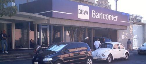 BBVA Bancomer despide a mil 500 trabajadores por digitalización de operaciones (-Wikipedia)