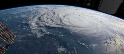 Furacão Florence é rebaixado para categoria 2