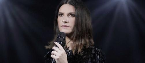 Selvaggia Lucarelli attacca duramente Laura Pausini dopo la frase sessista rivolta ad una ex amica