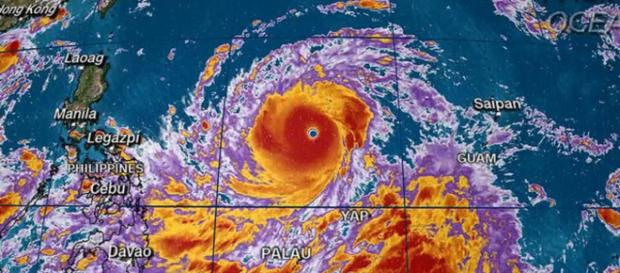 Il Super Tifone Mangkhut verso le Filippine