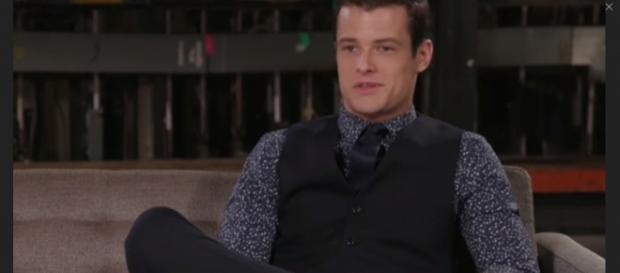 Kyle may ditch Summer for Lola on 'Y&R.' [Image Source: YRS - YouTube]