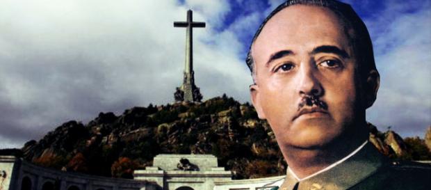 I resti di Franco saranno rimossi dal mausoleo della Valle dei Caduti