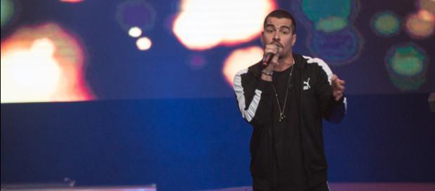 """""""Aceito as críticas como um alerta para me manter atento aos meus atos"""", disse o cantor (Foto: Divulgação/Sorriso Maroto)"""