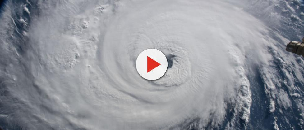Hurricane Florence harshly impacts the US with heavy rain and storm surges