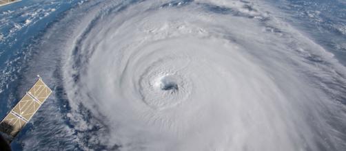 Millones de personas se enfrentan en las Carolinas al huracán Florence