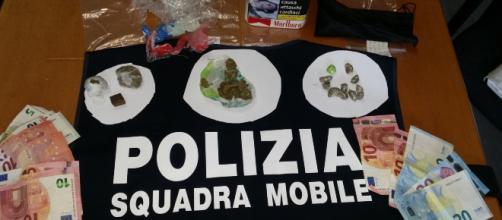 Taranto, spaccio di droga dalle finestre nella città vecchia: 12 arresti