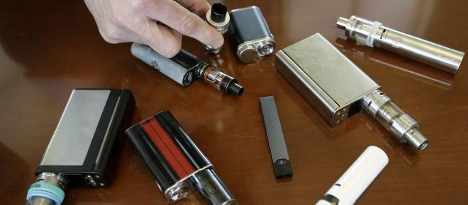 EE.UU./ FDA preocupada por el abuso juvenil de los cigarrillos electrónicos