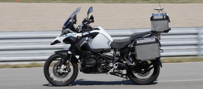 BMV empieza a desarrollar un prototipo de motocicleta que se conduce sola
