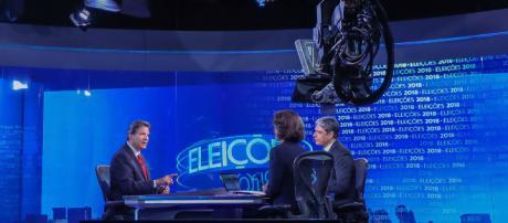 Haddad enfrenta Globo participando do Jornal Nacional