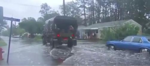 Hurricane Florence continues to pound the Carolina coast. [Image Credit – ABC News, YouTube video]