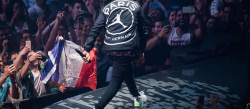 Les maillots PSG x Jordan pour la Ligue des Champions se dévoilent - lasueur.com