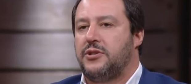 Matteo Salvini si scontra con i magistrati sul ddl legittima difesa.