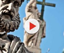 Chiesa cattolica sotto accusa (Fonte: la Voce di don Camillo - Youtube)