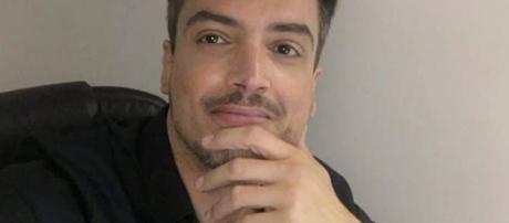 Leo Dias, jornalista e apresentador do Fofocalizando.