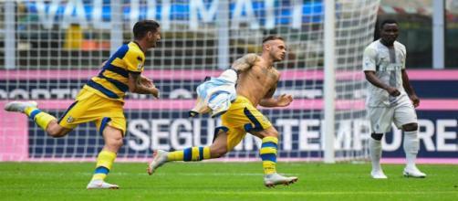 Dimarco esulta dopo il gol contro l'Inter