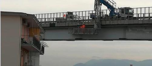 Napoli, il ponte di Frattamaggiore sotto osservazione - Teleclubitalia