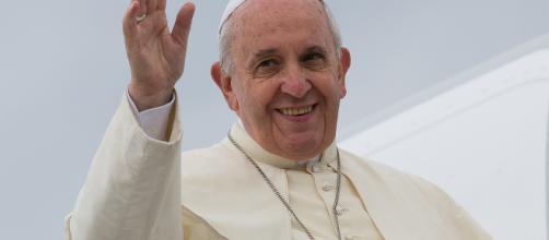 """Papa Francesco: """"La Chiesa non dimentica ed abbandona i cristiani ... - lafedequotidiana.it"""
