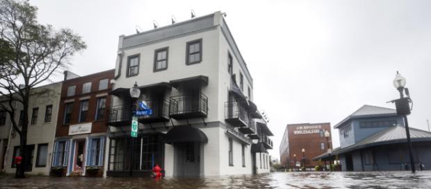 El huracán Florence se convirtió en tormenta tropical. - rtve.es