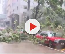 Hong Kong drenched as Typhoon Mangkhut hits China. [Image courtesy – Global News, YouTube video]
