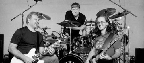 Alex Lifeson, Neil Peart e Geddy Lee, pioneiros do 'prog metal'. (foto reprodução).