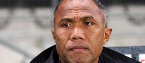 Antoine Kombouaré accuse le coup après la sévère défaite de Guingamp face à l'OM (4-0)