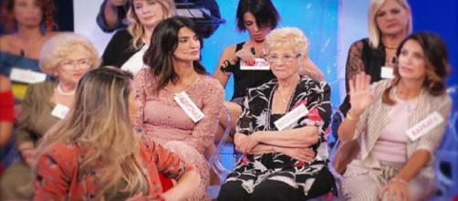 Barbara De Santi discute con Ida Platano