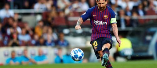Messi en su primer tanto con el PSV