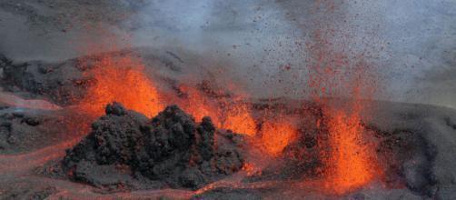 Piton de la Fournaise in eruzione