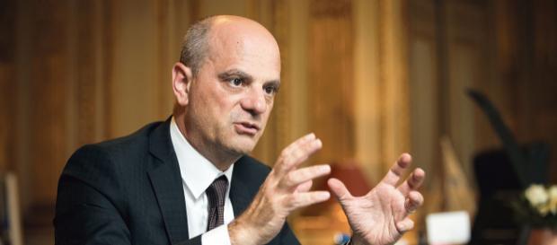 Jean-Michel Blanquer annonce la suppression de 1800 postes dans l'Education nationale
