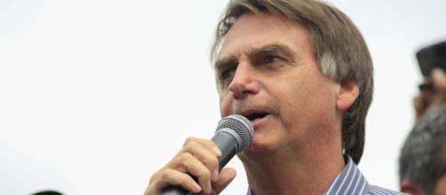 Aliados de Bolsonaro levam a sério a ameaça de que terroristas islâmicos tenham o presidenciável como um alvo