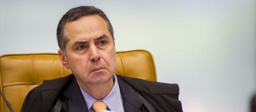Decisão de Barroso pode impedir Lula de conseguir indulto