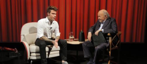 Fedez protagonista de L'intervista di Maurizio Costanzo. Blasting News