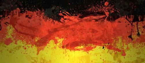 Preto, vermelho e amarelo. As cores da bandeira da Alemanha.